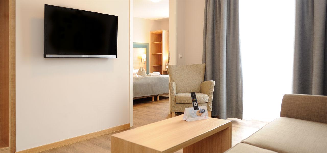 das r hrl das r hrl 3 sterne superior hotel gasthaus direkt in der fu g ngerzone in straubing. Black Bedroom Furniture Sets. Home Design Ideas